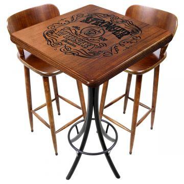Mesa com cadeiras para varanda pequena Stronger Whiskey - Empório Tambo