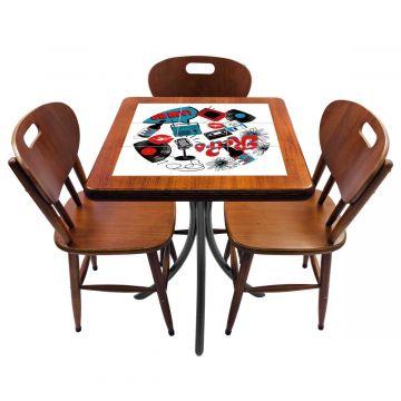 Mesa de canto para quarto com 3 cadeiras de madeira Oh My - Empório Tambo