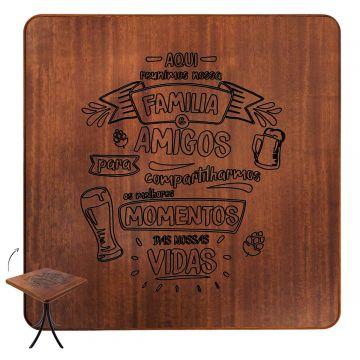 Mesa com cadeiras de madeira Familia e amigos - Empório Tambo