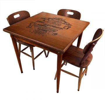 Mesa jantar 80x80 pequena de madeira com 3 cadeiras Familia e amigos - Empório Tambo