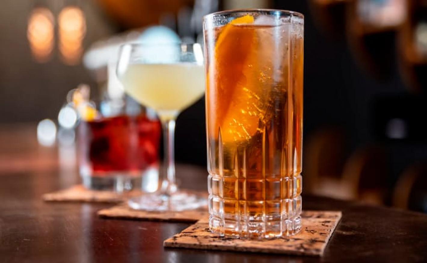 Drinks clássicos: lista com 25 receitas