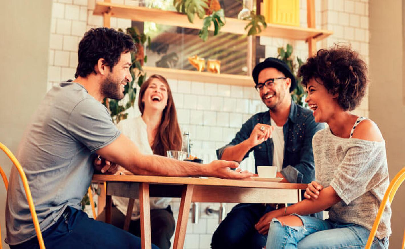Mesas personalizadas o elo entre a sua marca e o cliente