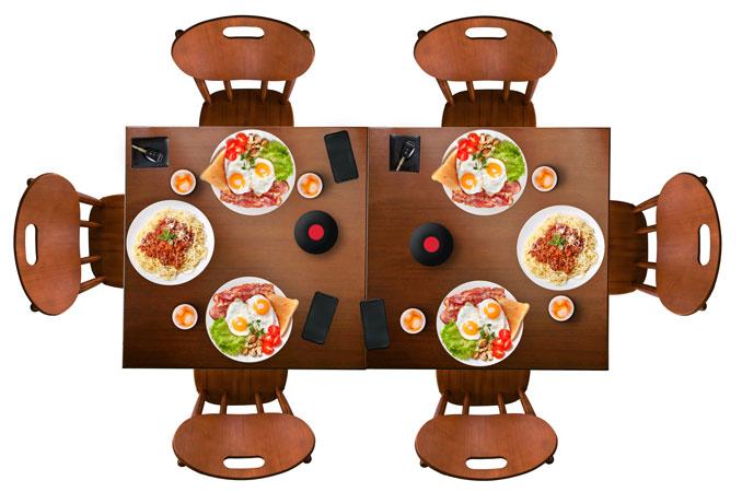2 mesas de 80 x 80 cm juntas com 6 cadeiras
