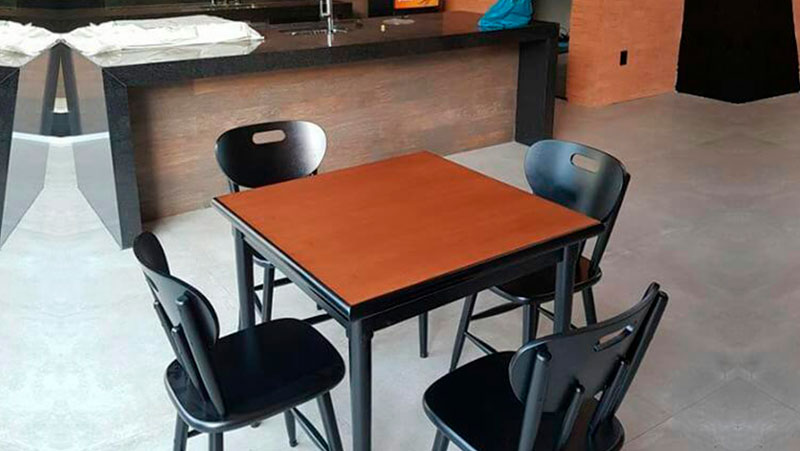 mesa-quadrada