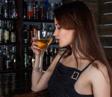 Home Bar : Lista de bebidas que não podem faltar no seu bar em casa