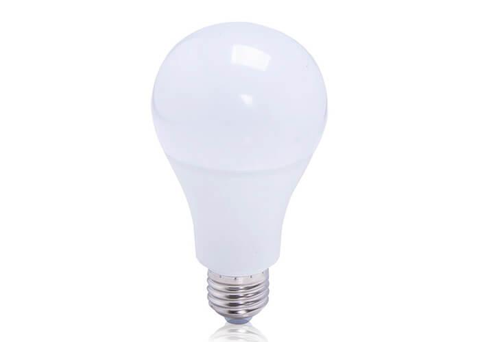 Lâmpada de LED formato bulbo