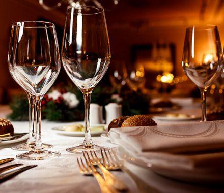 Como Montar Uma Mesa em Restaurantes: Guia Completo