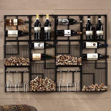 Porta vinho de parede com vários lugares para as garrafas, rolhas e taças